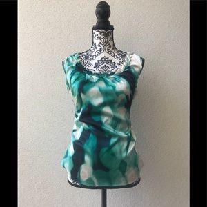 🎉 Tahari petite green  sleeveless elegant top SP